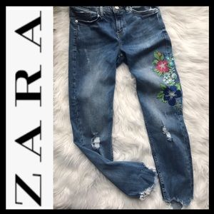 🎈SALE🎈ZARA Destroyed Embroidered Jeans